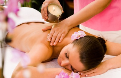 Relaxing thai massage with cosmetic candles
